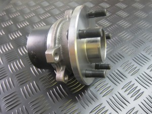 FTC3243 RANGE ROVER P38 LHF HUB ASSEMBLY
