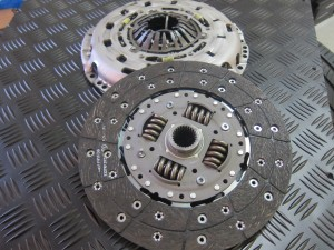 LR005809 LANDROVER DISCOVERY 3 CLUTCH KIT
